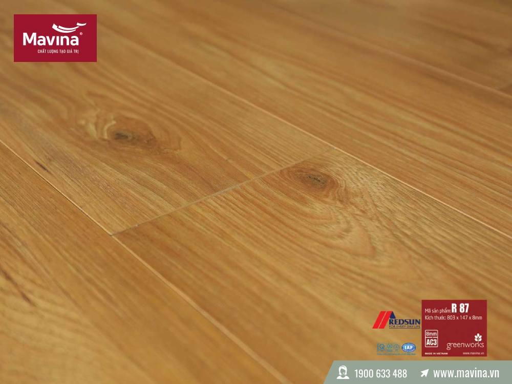 Sàn gỗ Redsun 8mm bản nhỏ