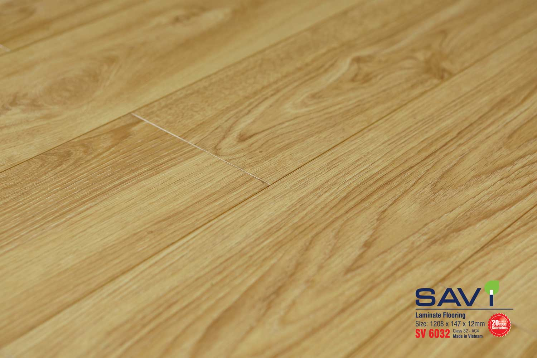 Sàn gỗ Savi 12mm bản dài